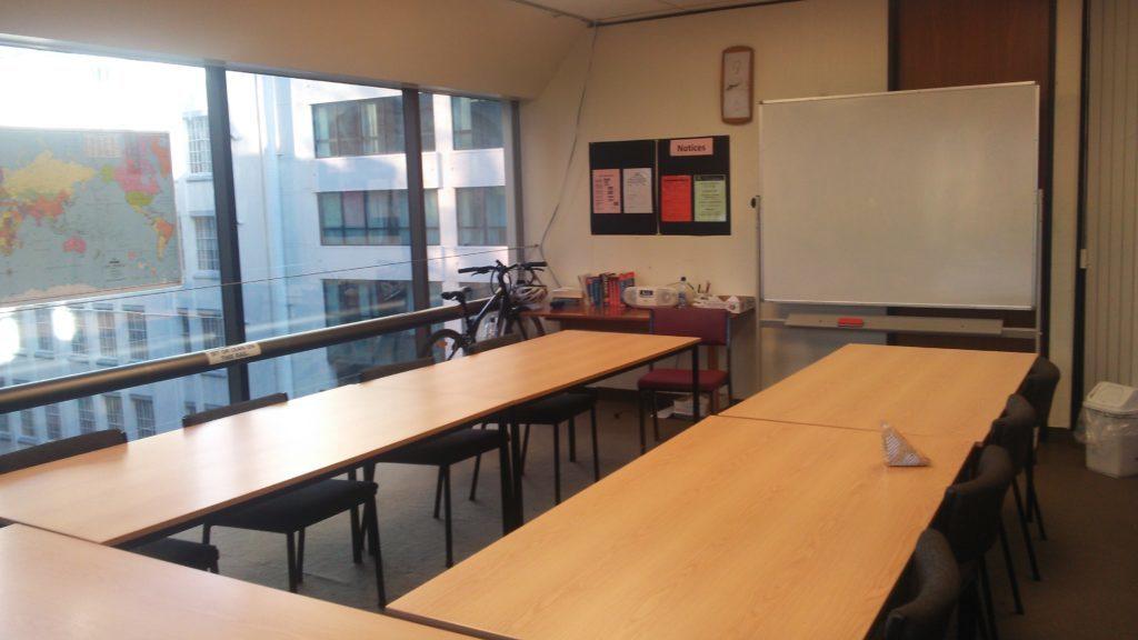 語学学校のクラスルーム